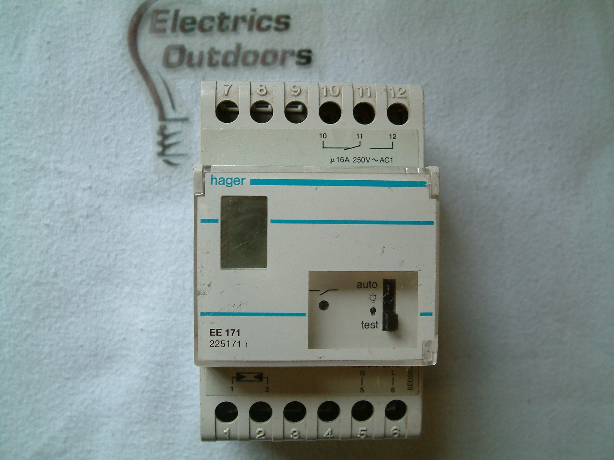 HAGER 16 AMP 250V LIGHT SENSITIVE SWITCH TIMER EE 171 225171 6E0