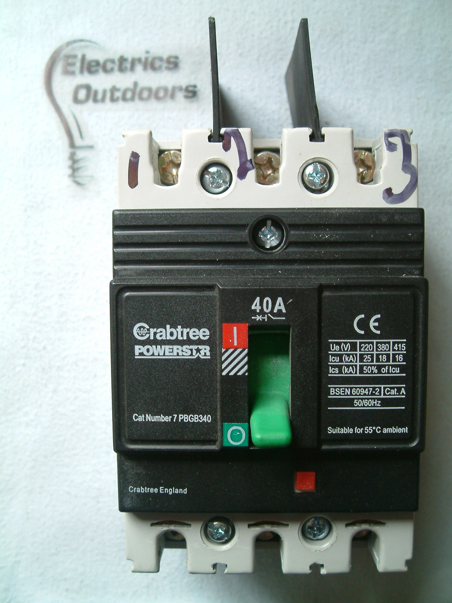 CRABTREE POWERSTAR 40 AMP 16 kA TRIPLE POLE 415v 7PBGB340