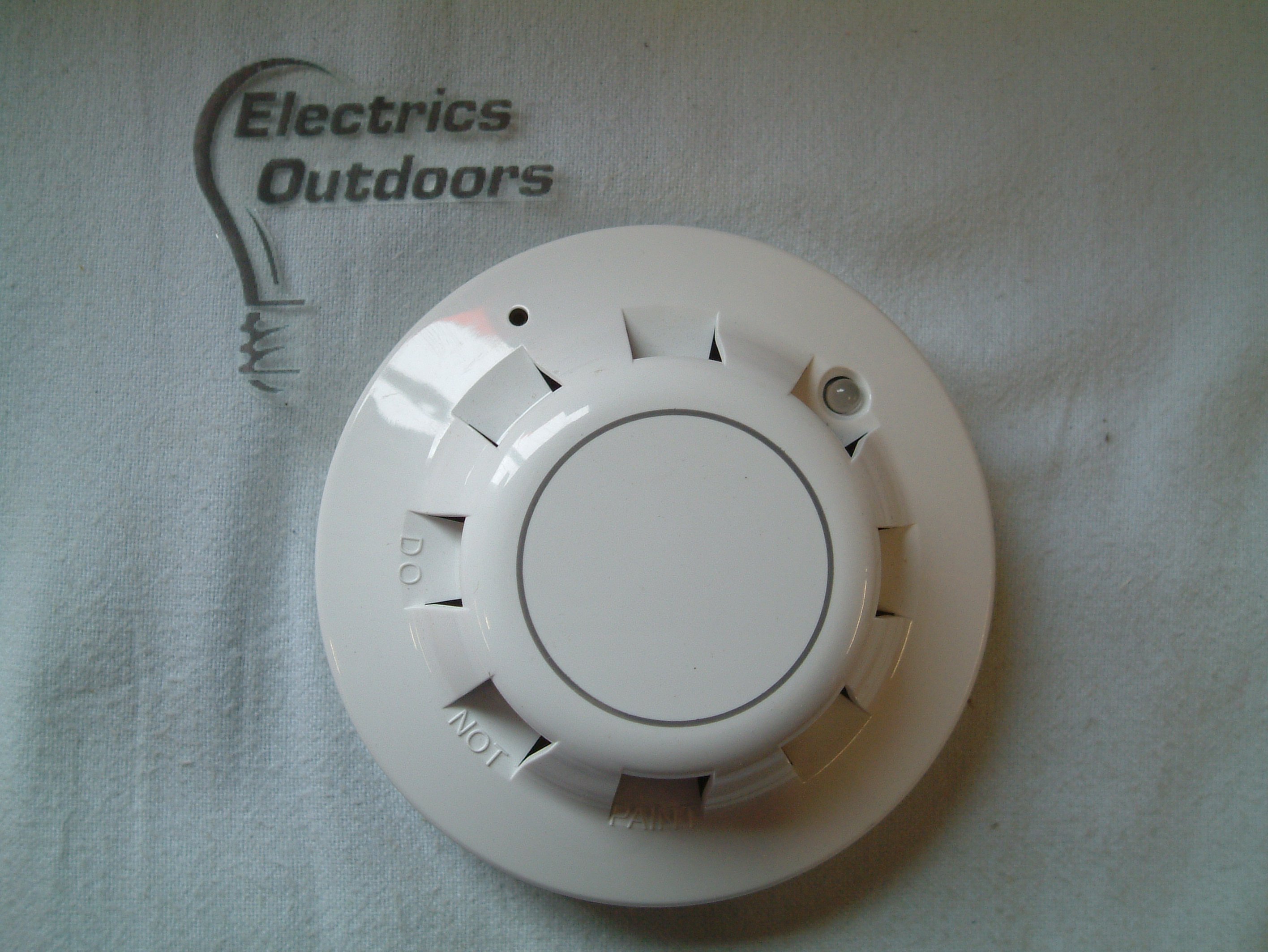 XP95 OPTICAL SMOKE DETECTOR 17 - 28 V DC 55000 - 600 APO