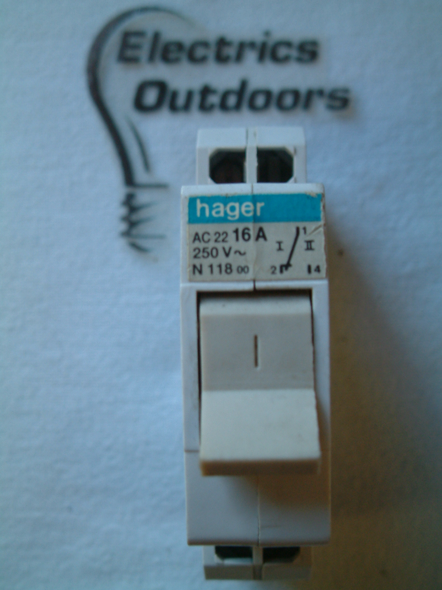 HAGER 16 AMP 250V AC22 N 118 CHANGE OVER SWITCH