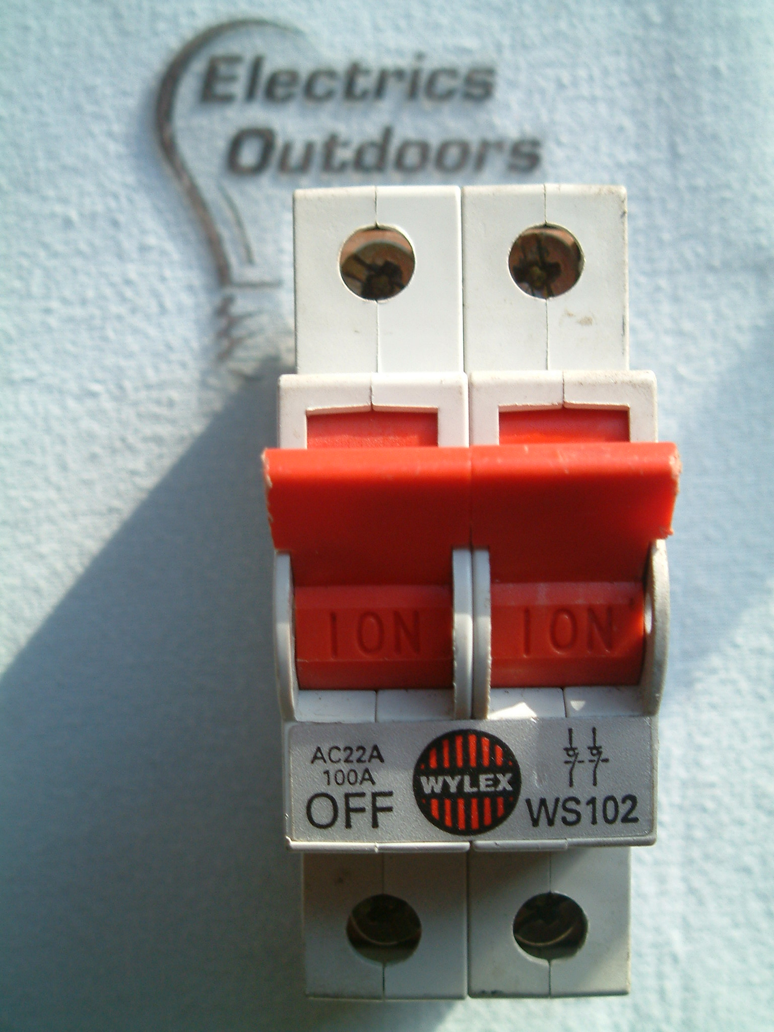 WYLEX 100 AMP DOUBLE POLE MAIN SWITCH DISCONNECTOR 240V AC22A WS102 BS EN 60947
