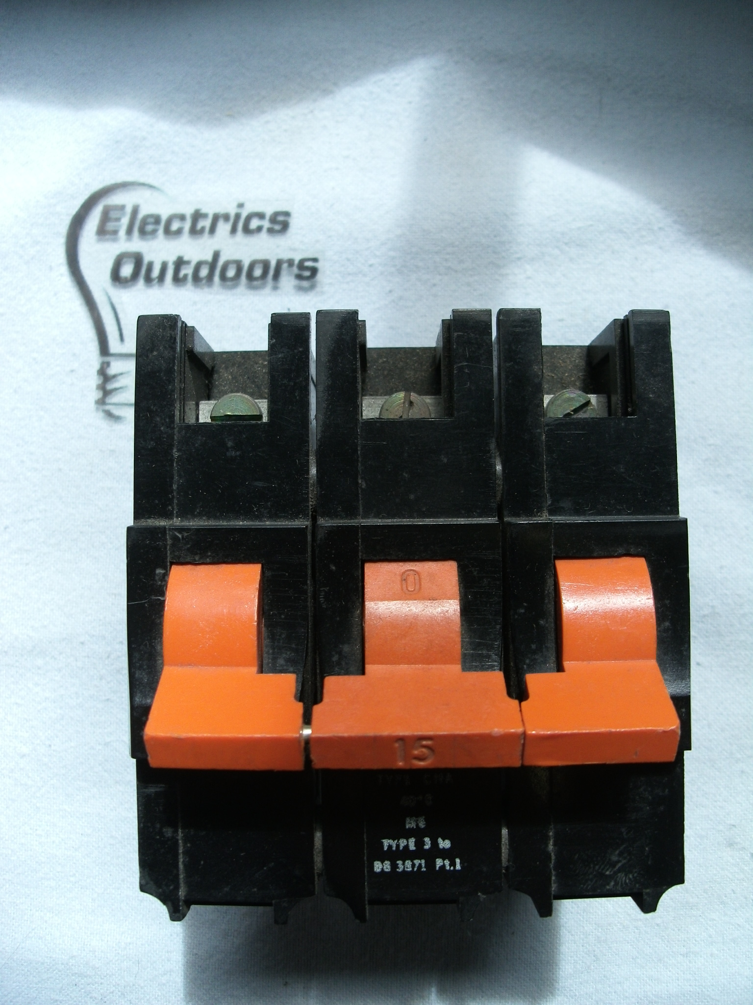 FEDERAL ELECTRIC 15 AMP TYPE 3 M5 TRIPLE 3 POLE MCB CIRCUIT BREA