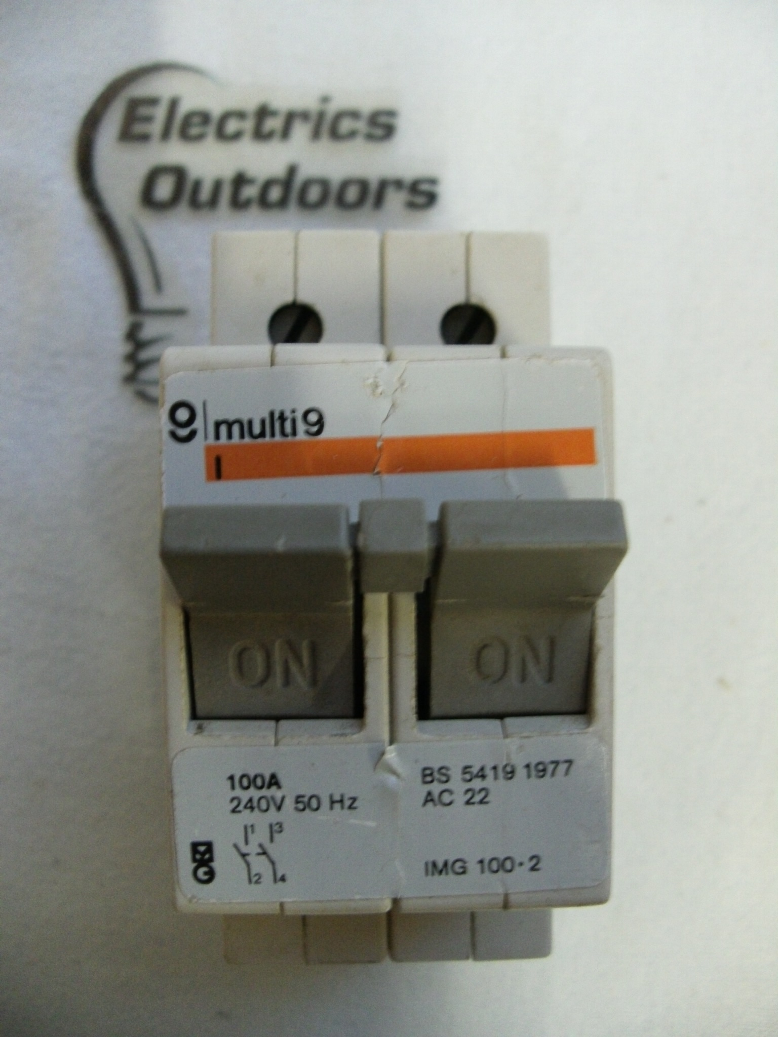 MERLIN GERIN 100 AMP DOUBLE POLE MAIN SWITCH DISCONNECTOR 240V IMG 100 2 BS 5419