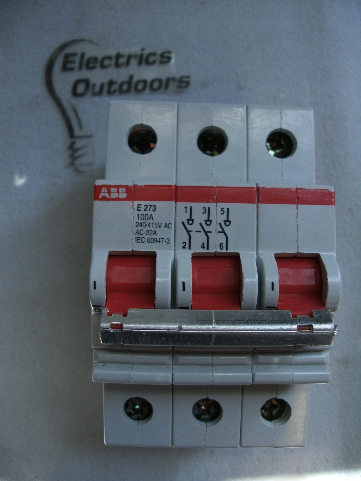 ABB 100 AMP TRIPLE POLE MAIN SWITCH DISCONNECTOR 240/415V E273 IEC 60947