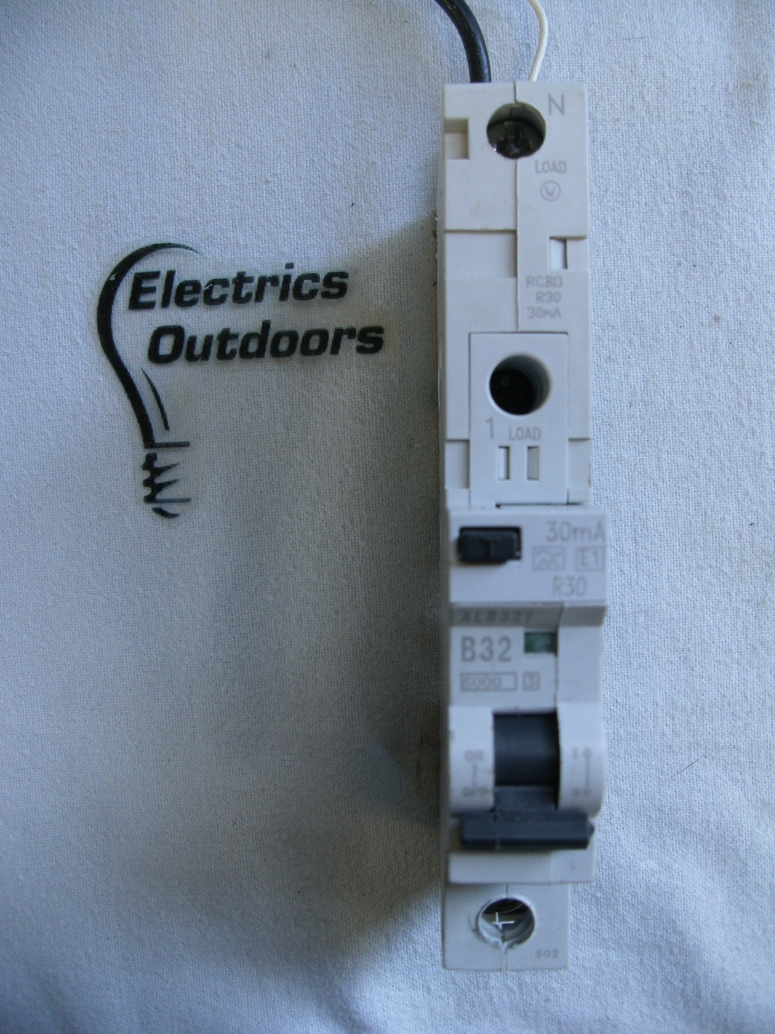 EATON MEM R30 32 AMP TYPE B FIELD FIT POD MEMSHEILD 2 RCBO MCB BREAKER MR30