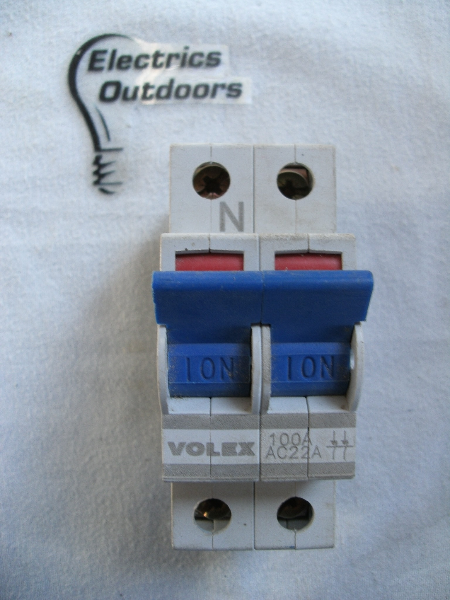 VOLEX 100 AMP DOUBLE POLE MAIN SWITCH DISCONNECTOR 240/415V AC22A BS EN 60947