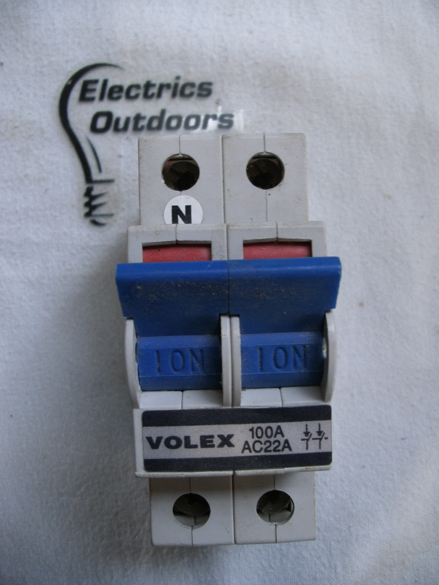VOLEX 100 AMP DOUBLE POLE MAIN SWITCH DISCONNECTOR AC22A 240/415V BS EN 60947
