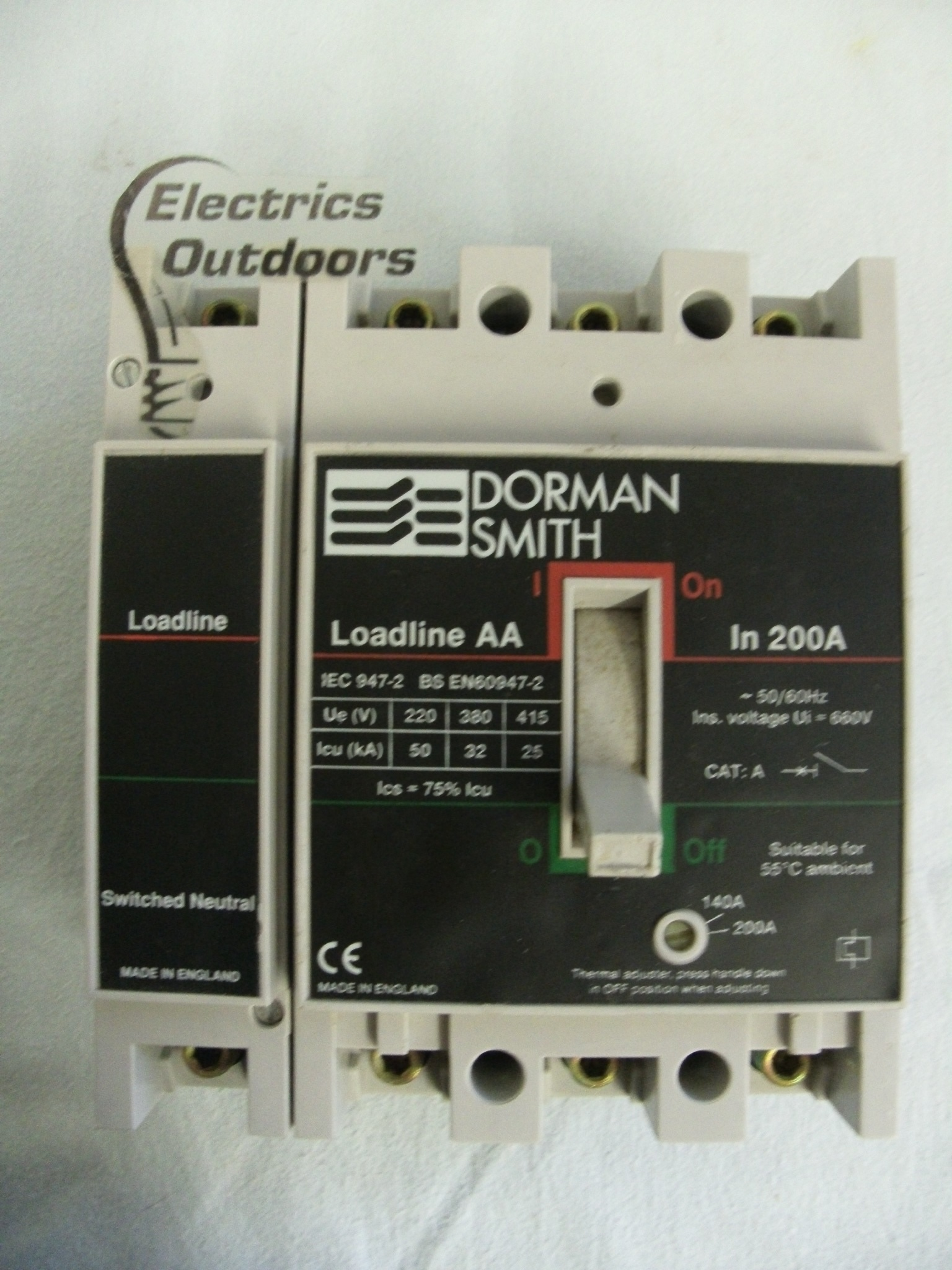 DORMAN SMITH 200 AMP 25 kA FOUR POLE MCCB LOADLINE AA LLBAATN200 BS EN 60947