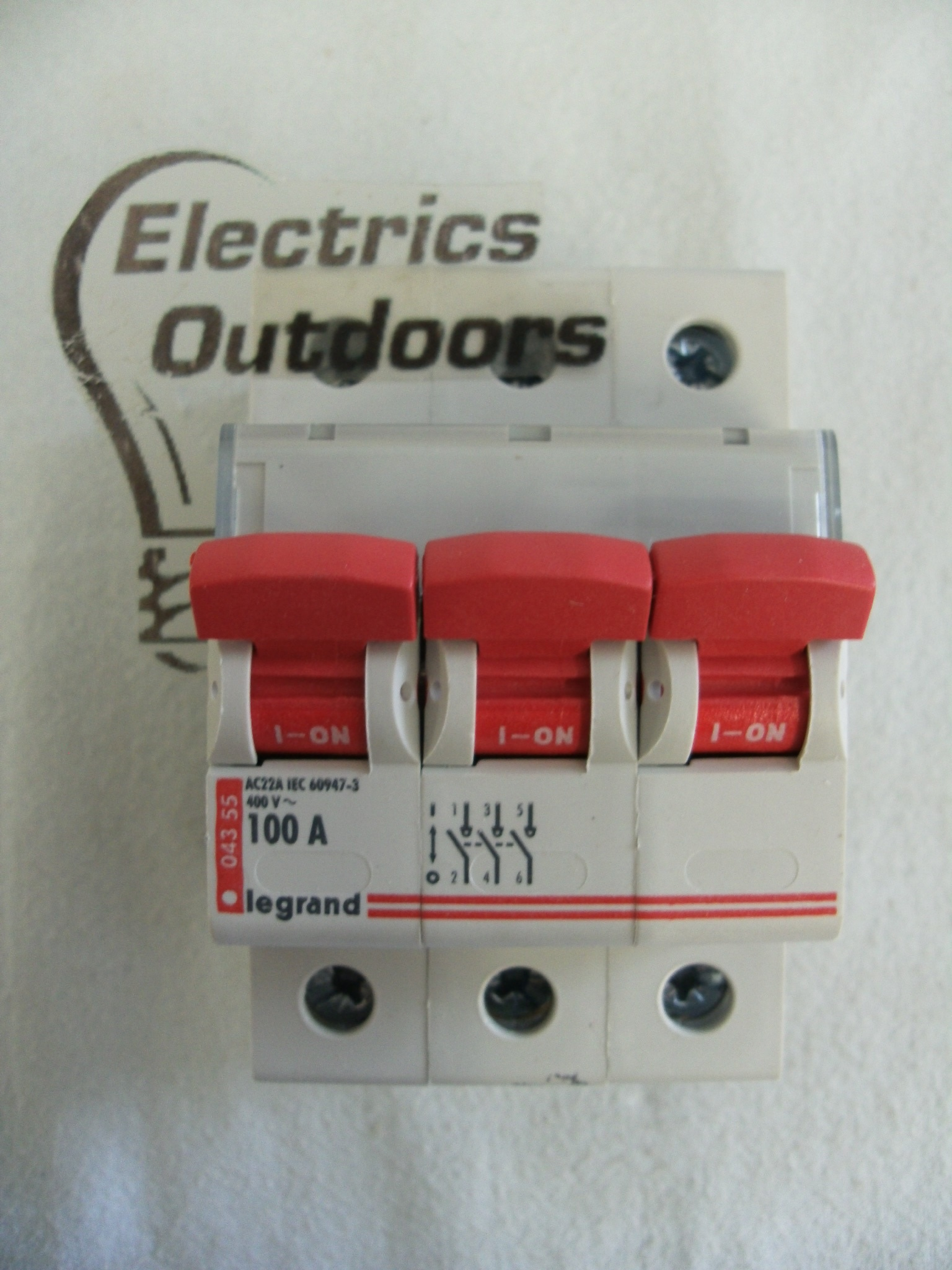 LEGRAND 100 AMP TRIPLE POLE MAIN SWITCH DISCONNECTOR ISLOATOR 400V DX IS 043 55