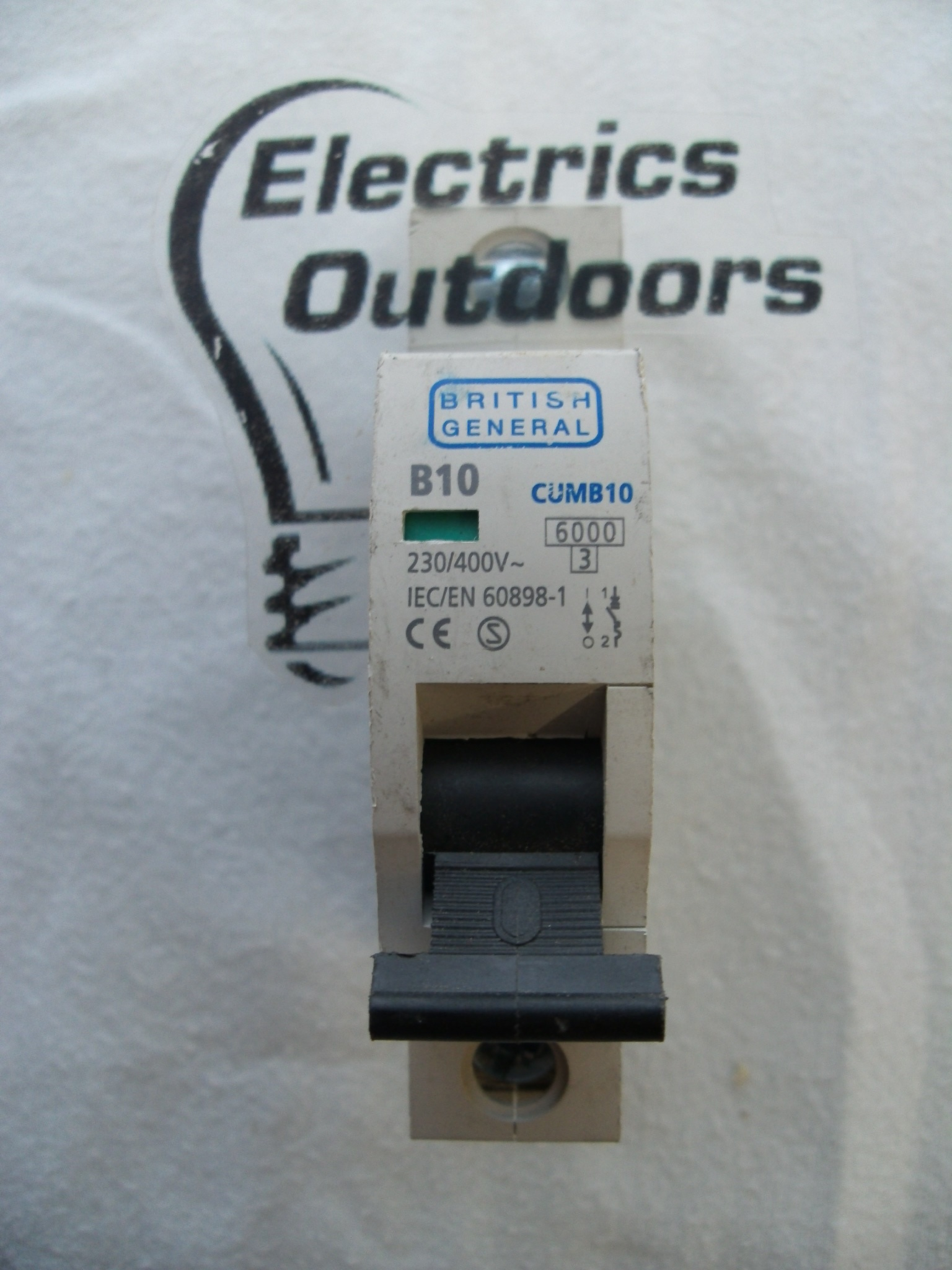 BRITISH GENERAL 10 AMP TYPE B 6 kA MCB CIRCUIT BREAKER 230V CUMB10 BS EN 60898