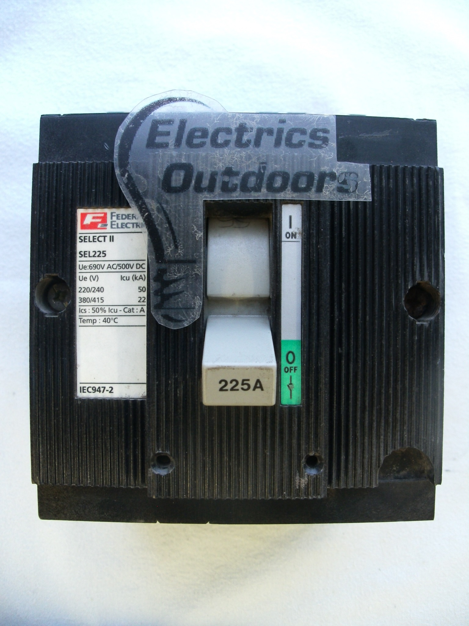 FEDERAL ELECTRIC 225 AMP 22 kA TRIPLE POLE MCCB SELECT II SEL225