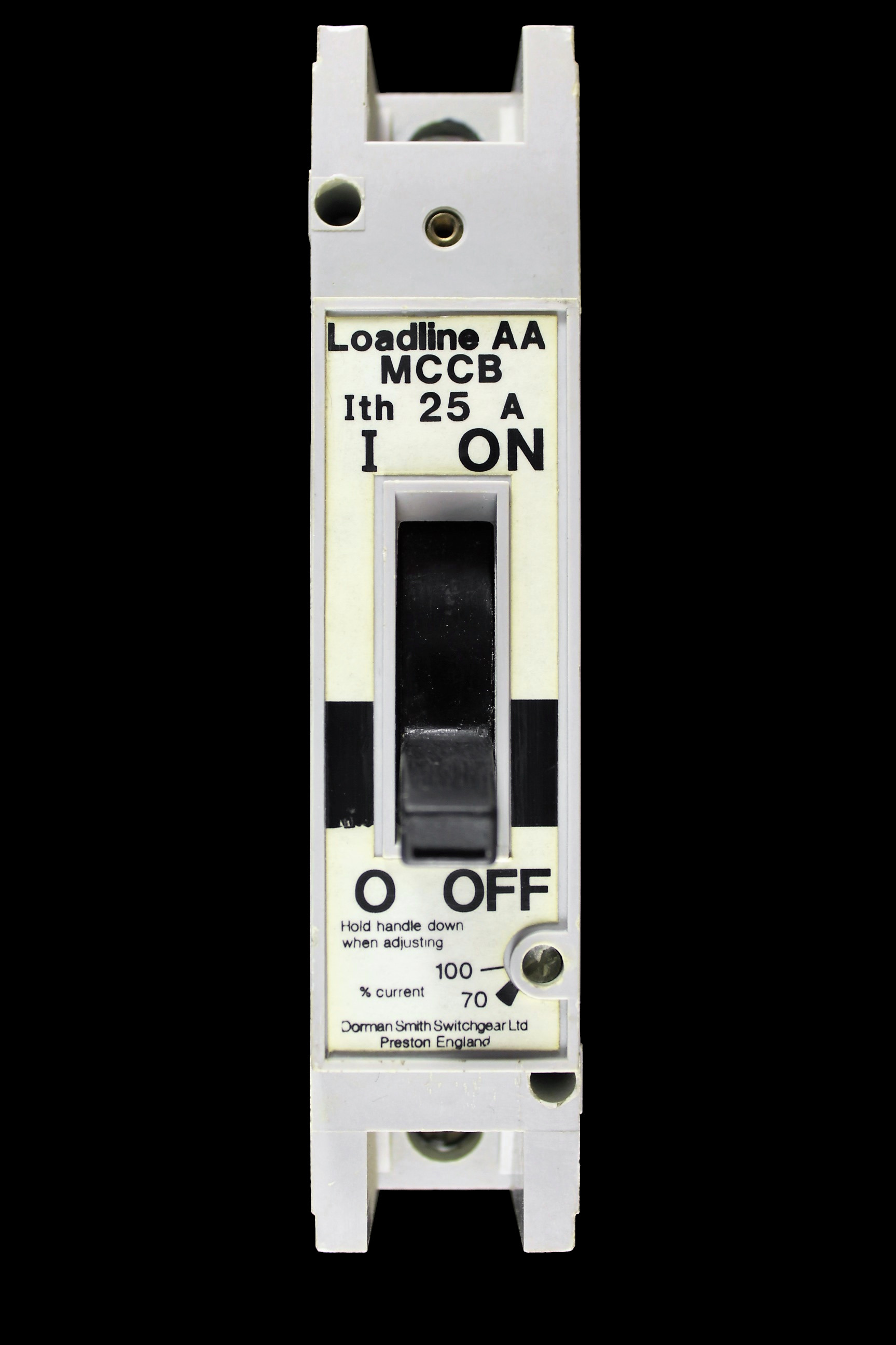 DORMAN SMITH 25 AMP MCCB LOADLINE AA WHITE