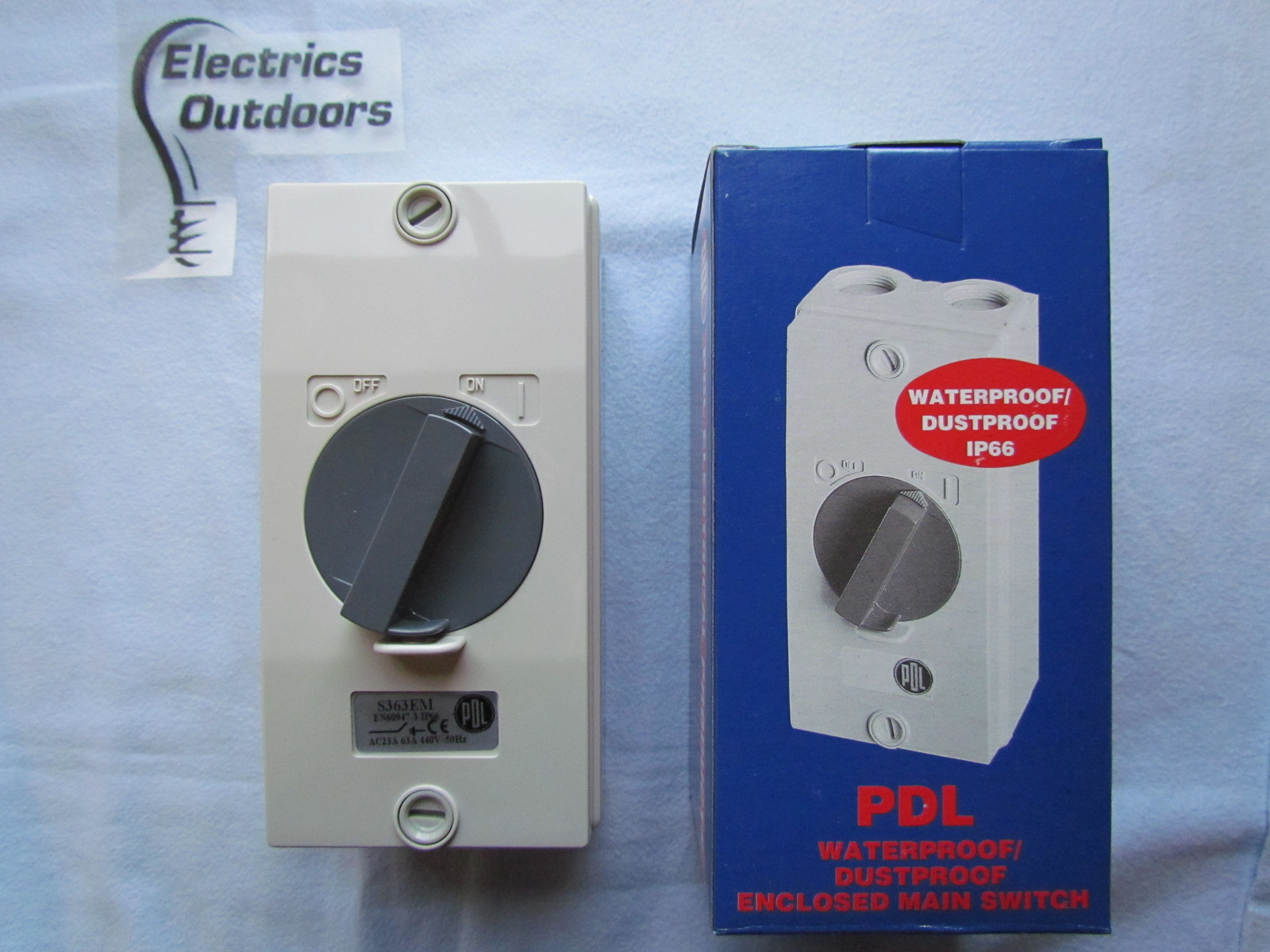 PDL ENCLOSED MAIN SWITCH TRIPLE POLE 63 AMP S363EM 440V