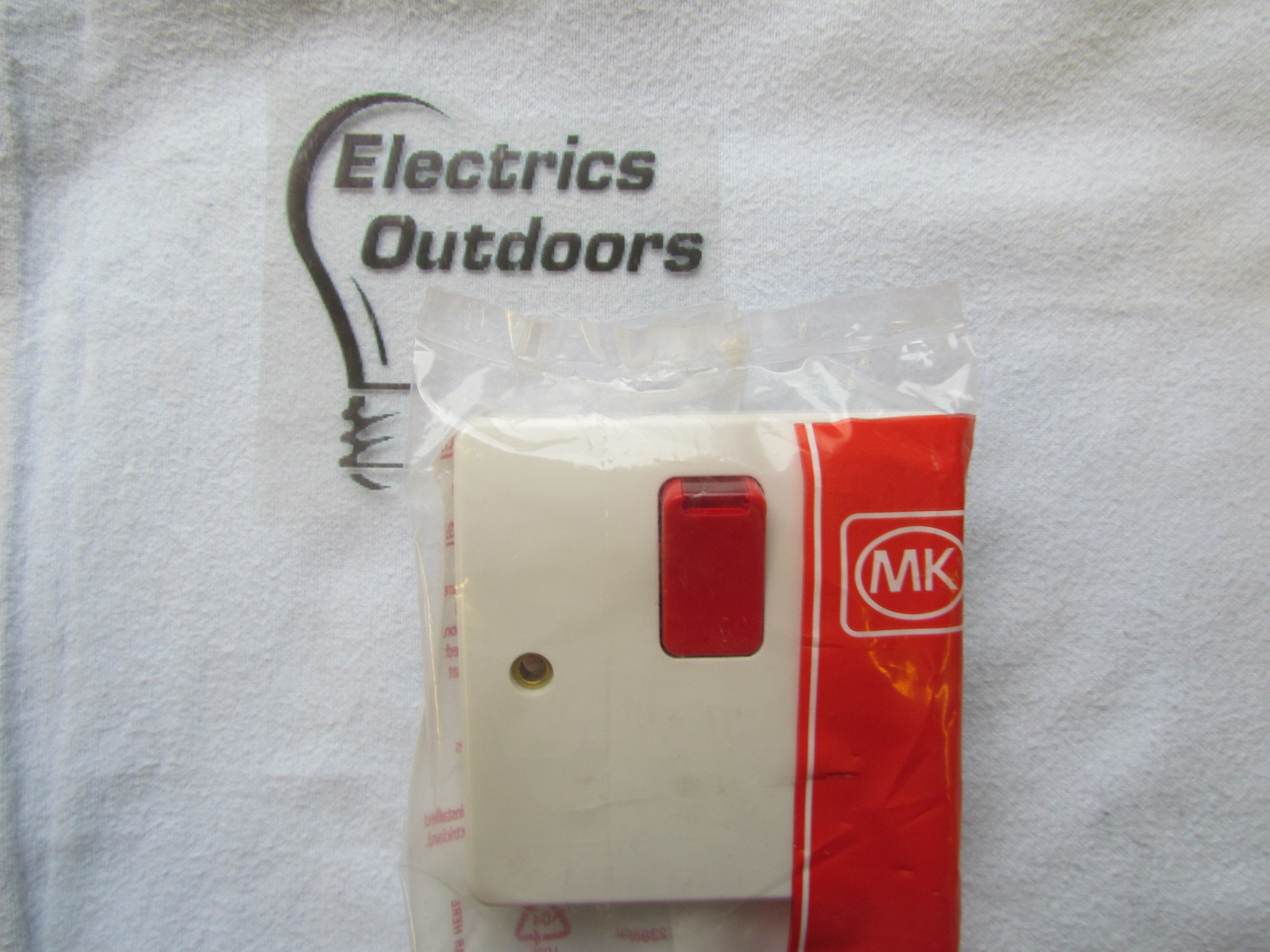 MK 20 AMP DOUBLE POLE RED SWITCH BOTTOM FLEX WITH NEON K5423D1 W