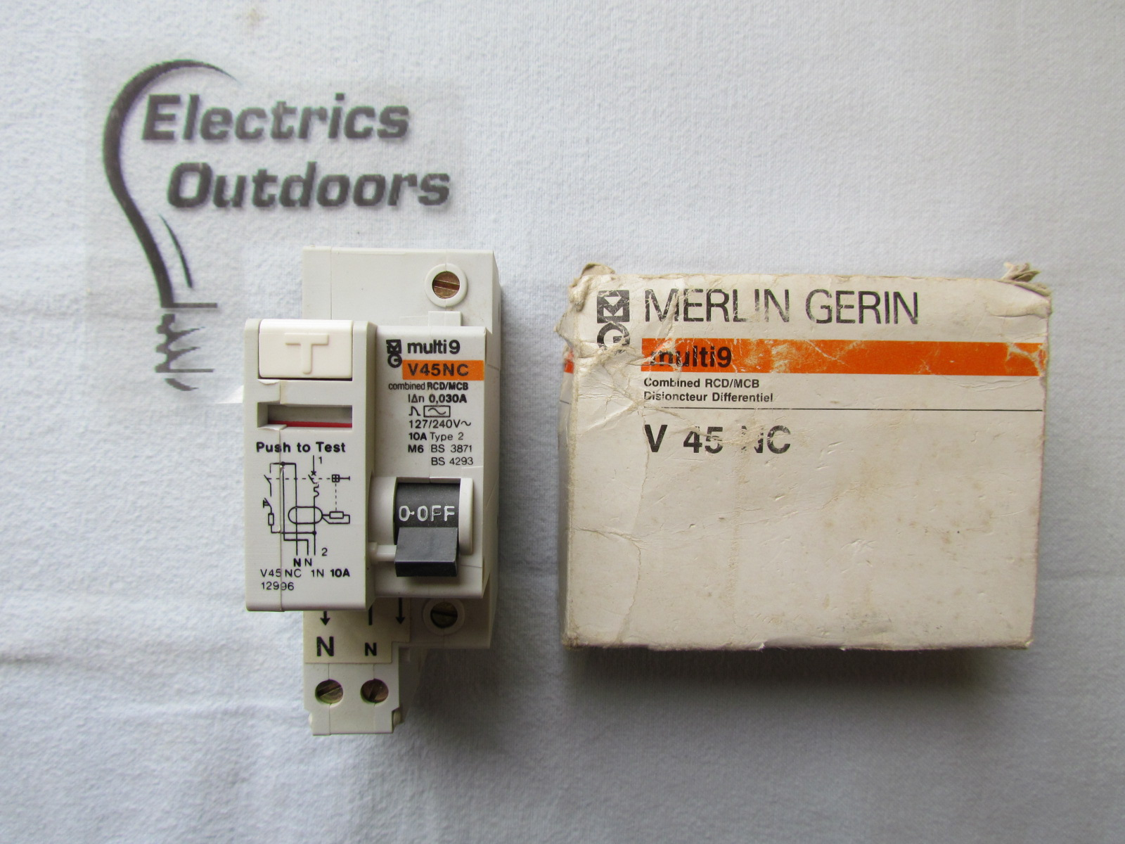 MERLIN GERIN 10 AMP TYPE 2 M6 30 mA DOUBLE POLE RCBO RCD MCB 240V V45NC 12996 2